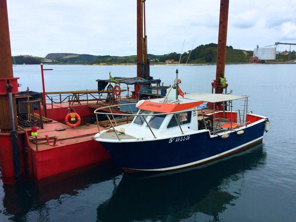 Servicio de apoyo con pontona para perforaciones en puerto