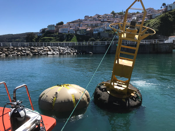 Towing and installation of sewage water pipeline marking buoys and deadman anchors