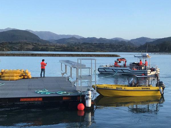 Colocación de muertos para fondeo de pontona