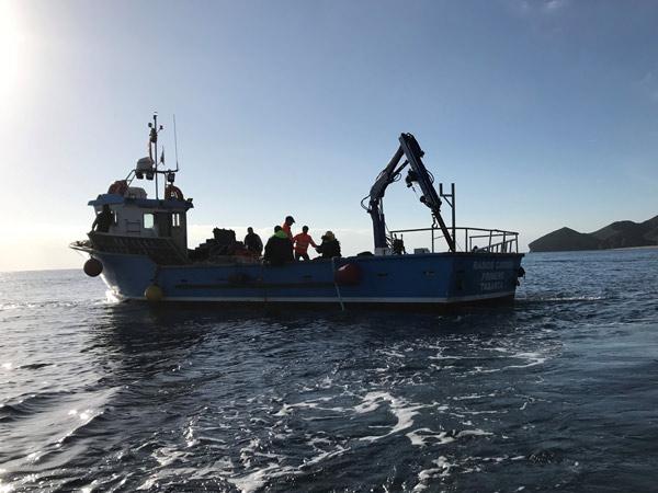 Trabajos submarinos en toma de captación de agua de desaladora