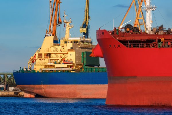 Fenders for Safe Ship to Ship Operations